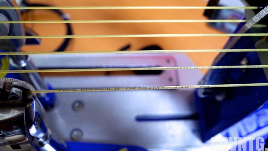 ストリンギング中のトアルソンゴールドオリジナル1.30